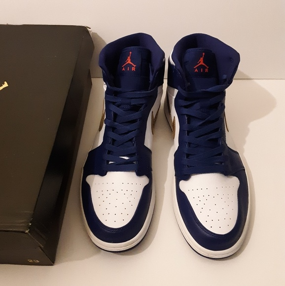 size 40 0183c a2519 Nike Jordan 1 Gold Medal size 11.5 mens